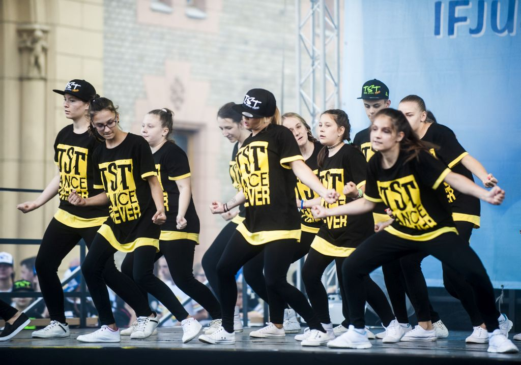 TST dance group (HU)
